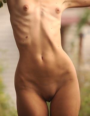 Free Skinny Porn Photos