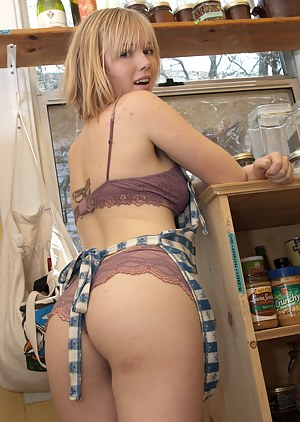Free Housewife Porn Photos