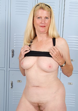 Free Locker Room Porn Photos